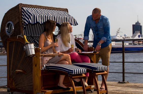 #strandkorb #beachchair #hamburg #hafen #hamburgerhafen #strandkorbprofi #elbe