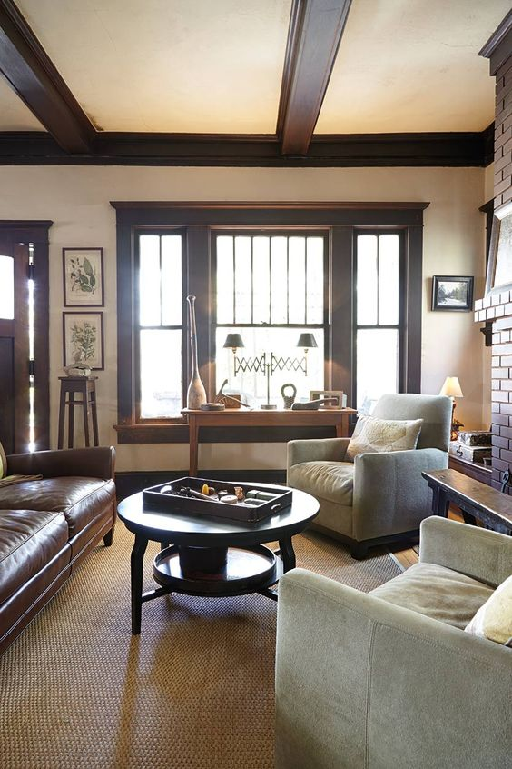 Wood trim craftsman homes and craftsman on pinterest for Craftsman interior design elements
