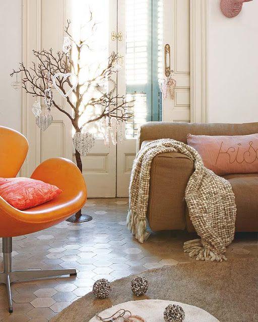 位在西班牙Barcelone的翻新公寓,粉紅與橘色成為家裡的亮點!