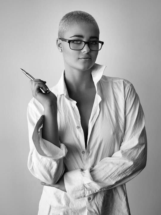 Stefania Ferrario Bald, Boobs and Badass (NSFW) - Peter