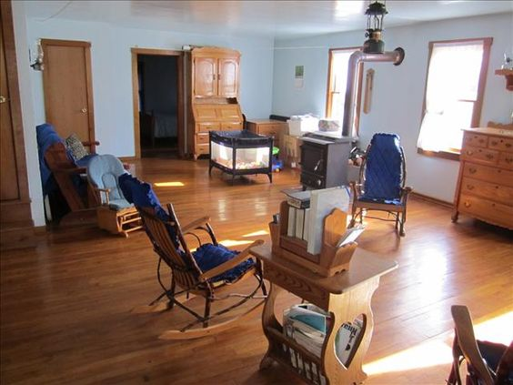 Inside an Amish Home The Living Room