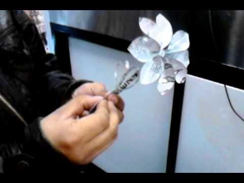 Como Hacer Una Flor De Lata 3 3 Oxxo Youtube Metal Working Crafts Floral Rings