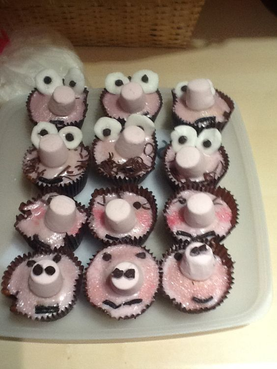 Peppa pig designed cupcakes simple to bake and easy to decorate❗️❗️❗️❗️