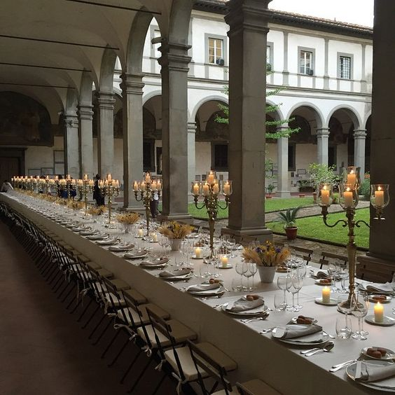 Wow! Dinner in einer Secret Location in Florenz #firenze4ever #f4e11 @luisaviaroma #vogue #firenze