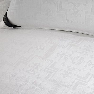 Pendleton ® 400-Thread-Count Jacquard Classic Wool & Down Comforter in White