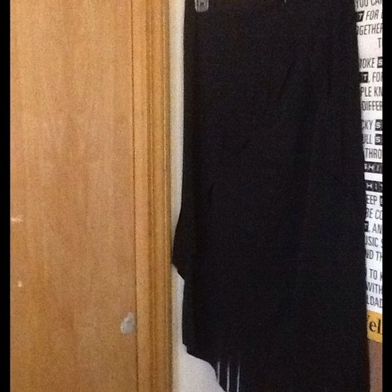 Cachet black skirt Beautiful Cachet skirt with fridge on the sides. 100% polyester. Very good condition. Never been worn. Size 10 Skirts