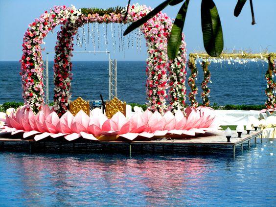 Elegant Floating Mandap Styles For Your Wedding, 6a49abc0e7f187cf60d004f9ab25977b