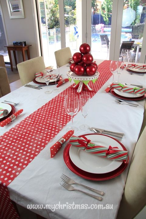 Simple elegant table settings for christmas day from www - Simple christmas table settings ...