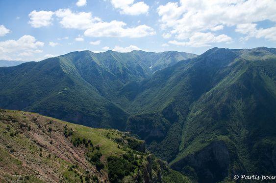 Sortir de Sarajevo pour prendre l'air, respirer, se balader, changer de perspectives : Vrelo Bosne, Lukomir, Skakavac, Jahorina, Trebevic ou le Tunnel.