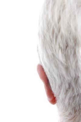 Symptoms of a Magnesium Deficiency & Gray Hair