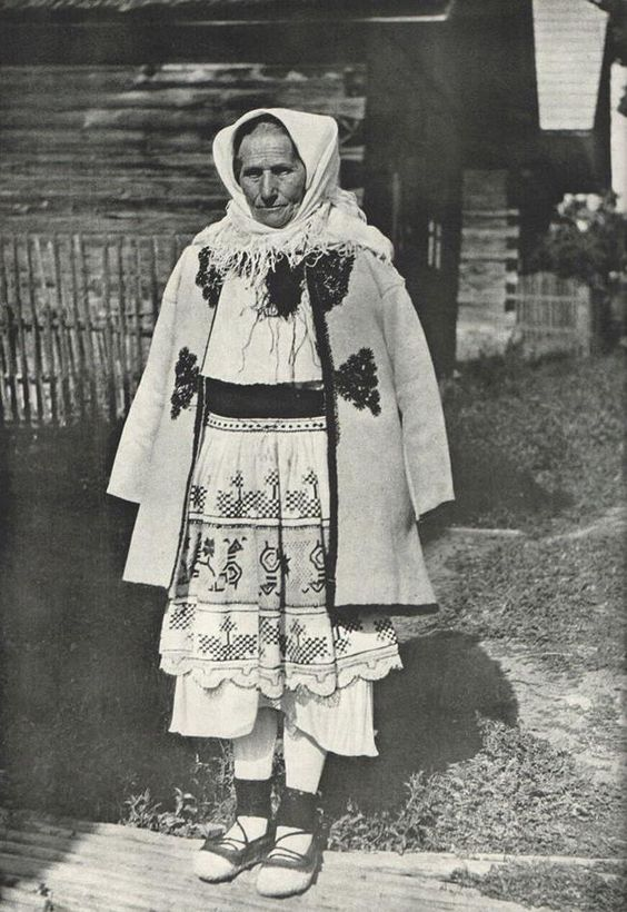 Čičmany (Horné Považie) Slovak Grandmother