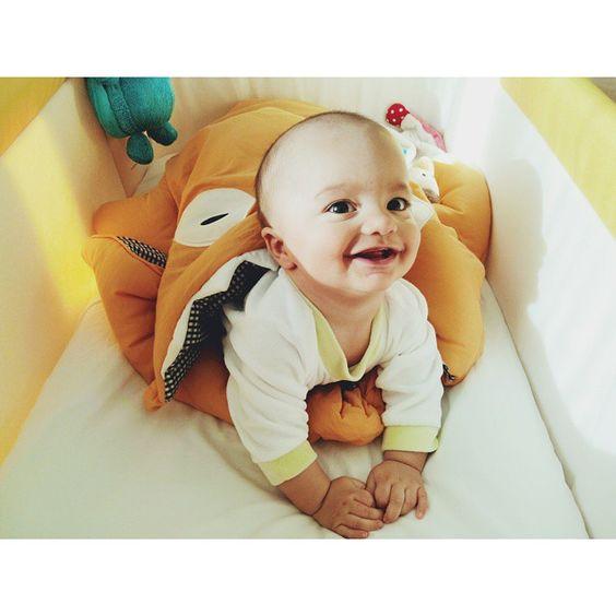 Babybiters - Muñeco pelón en su saquito Amarillo MOSTAZA www.babybites.es