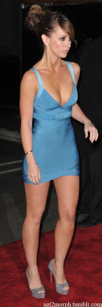 agt2morph:  Jennifer Love Hewitt shorter dress