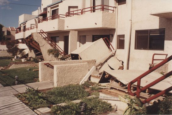A front view of the California State University, Northridge (CSUN) dormitories, following the Northridge earthquake, which occurred at 4:31 AM on Monday January 17, 1994, causing extensive damage. CSUN University Archives.