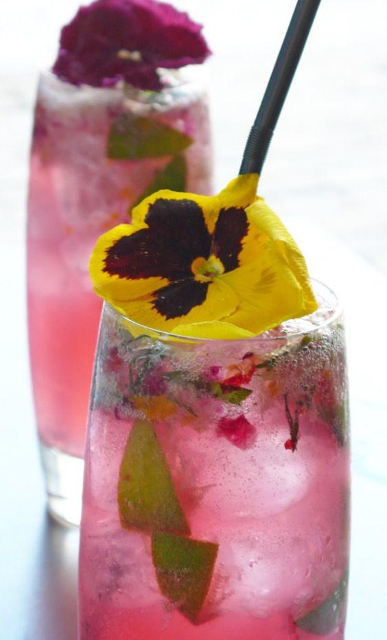 Znalezione obrazy dla zapytania water cocktail with violet