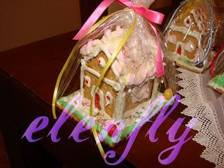 CHRISTMAS HOUSES WITH COOKIES