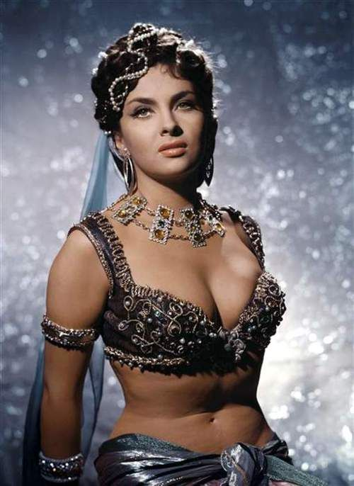 Gina Lollobrigida. This woman is more beautiful than all those actors out there who are 90 pounds and have no body.