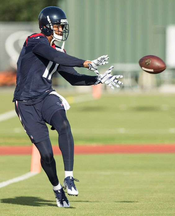 Texans' Jaelen Strong has night to forget vs. Patriots