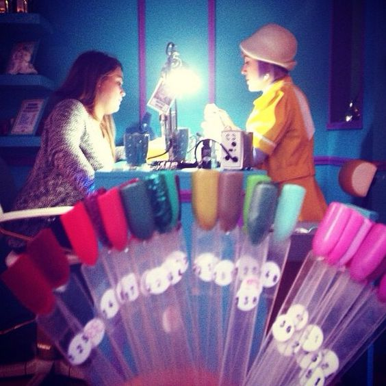 Yesterday my sweet friend @tatianastoute visited #theleopardlounge and took and instagrammed this picture of me and my cousin. Love the colors and the discovery that my cousin and I have the same nose ;p #vintagesalon #nails and #beauty #parlor #rotterdam