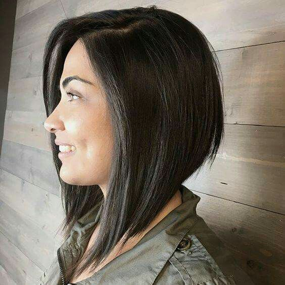 Angled Bob With Longer Front Pieces Hair Styles Inverted Bob Hairstyles Thick Hair Styles