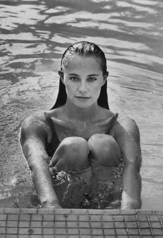Cybill Shepherd - She Was A Professional Model & Well Known Before She Became An Actress