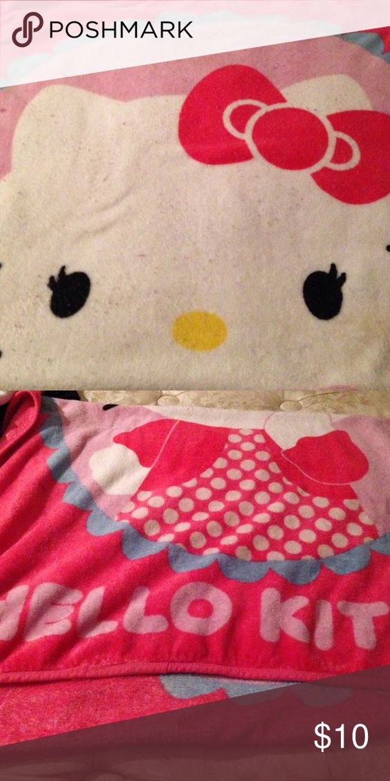 Hello Kitty 🐱 blanket💕 💖🐱Super Soft & So Adorable💖💕 Loved but Still A Lot More In it💖🐱 Open To Trades👍🏻 Fits A Twin SZ Bed💕 Hello Kitty Other