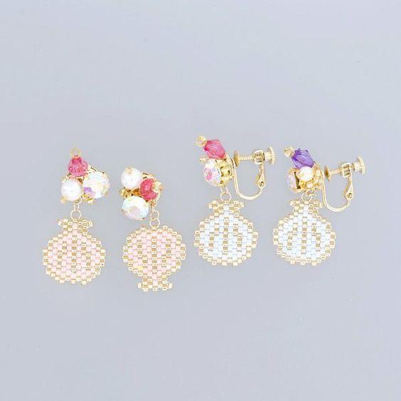 夏っぽいアイテムが続々登場です!こちらはホタテ貝の耳飾り~!ピアス&イヤリングです。 * * * * #イヤリング #ピアス #ビジュー #パール #アクセサリー #マーメイド #海 #パステル #メルヘン #ファンシー #貝 #貝殻 #デリカビーズ #beadswork #earing #jewelry #fancy #fancy80s #handmadejewelry #ハンドメイド #雑貨 #路地裏さん #路地裏3坪雑貨店 #手作り #ハンドメイドアクセサリー #ハンドメイド #キラキラ #お洒落