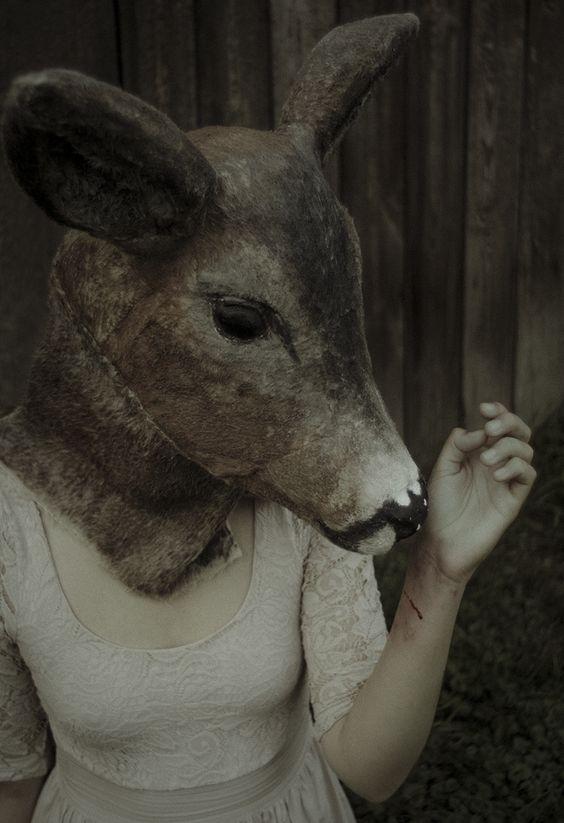 Laura Makabresku: wound (2011):