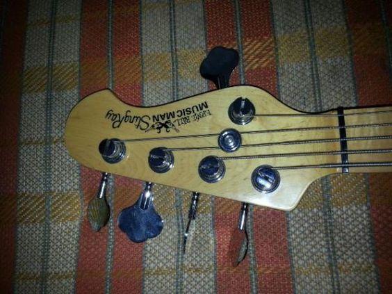 Baixo Music Man 05 cordas (Barato)