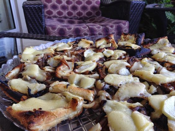 Caramelized Onion, Apple and Gruyere Bites #BrunchWeek | Take a Bite Out of Boca