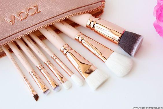 Pour obtenir un maquillage parfait, utilisez les bons accessoires ! @needsandmoods vous présente les pinceaux du Kit Rose Golden de Zoeva.
