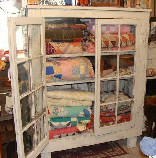 Another way to store and display quilts.: