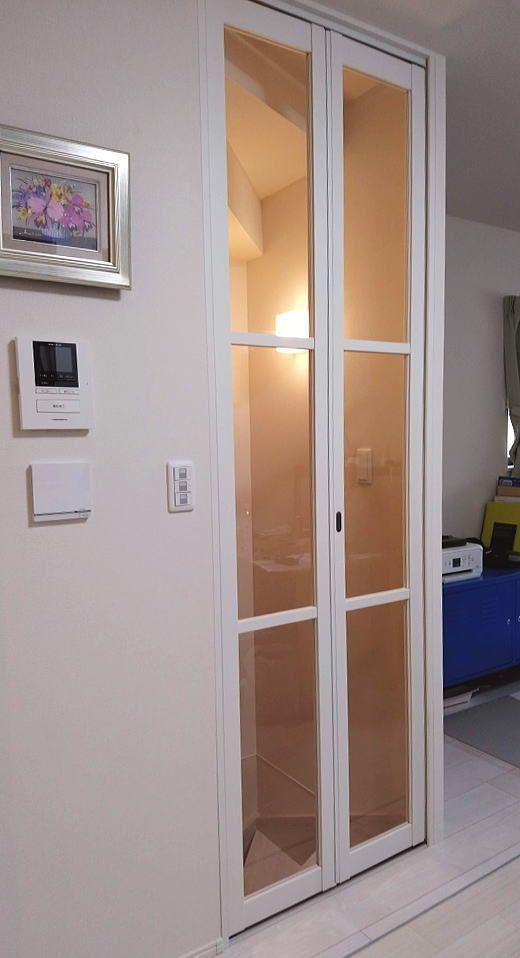 寒さ対策で階段口に折れ戸取付 リビング階段 リビング ドア 引き戸