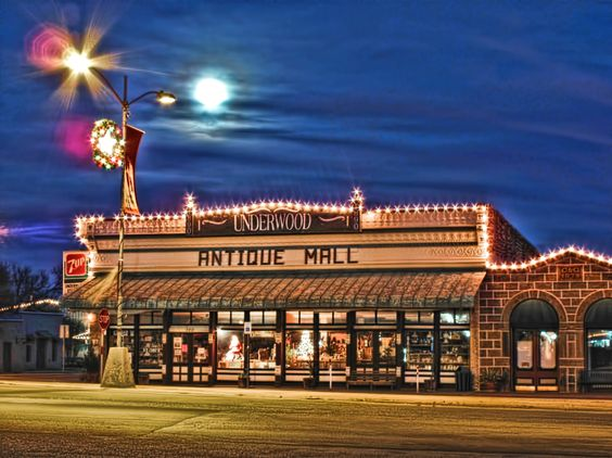 HDR of Underwood's Antique Mall in Mason Texas (formally Underwoods Grocery when I was young).:
