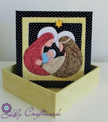 Caixa em MDF (madeira) trabalhada com tecido e patchwork embutido! Sagrada Família: