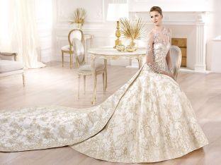 #abito da #sposa color panna decorato con fiori
