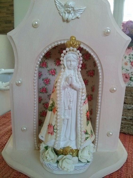 Nossa Senhora com Oratório: