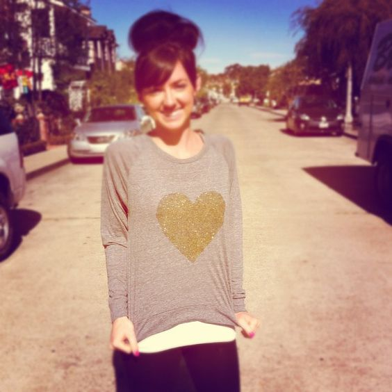 DIY glitter heart sweatshirt! For a comfy V-day night in?