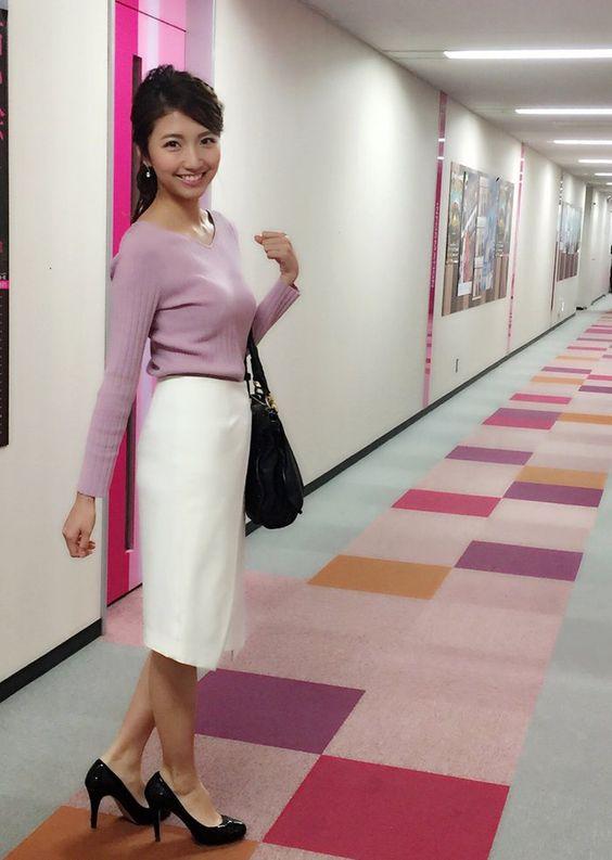 「フジテレビ×モデルプレス」女性アナウンサー連載で廊下を歩く三田友梨佳アナの画像