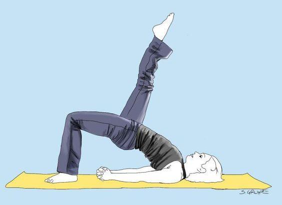 Diese Yoga-Übung ist für Fortgeschrittene. Für die Leserinnen der ...