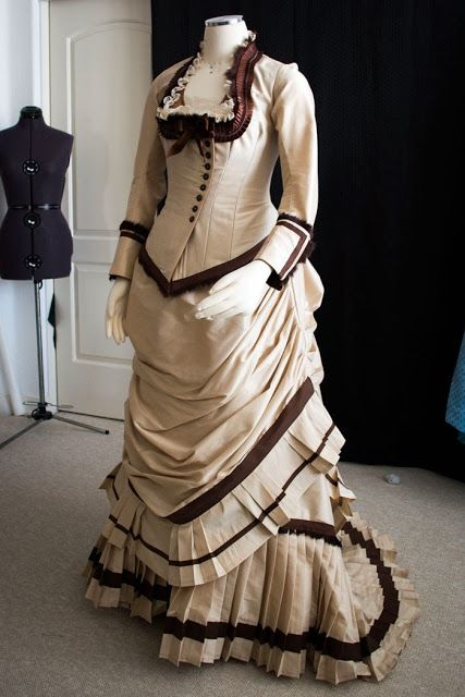 Victorian Maternity Dress | Review: Wearing History's 1879 Dinner Bodice E-Pattern