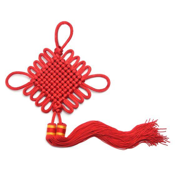 El nudo chino Pan Chang es un amuleto que confiere amistad, armonía, amor, longevidad, buena suerte, unión, prosperidad, paz, fortuna, y protección