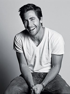 give me jeans (or khakis) and a t-shirt and I'm set . . . minus Jake Gyllenhaal
