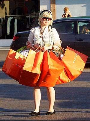 Kelly can shop!!!