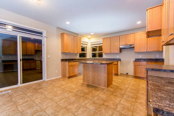 Kitchen and backdoor. #RealEstateForSale #ForSaleRealEstate #HomesForSale #Ridgefield #RidgefieldWA #RidgefieldHomesForSale #RidgefieldWARealEstate #RealEstate #Washington #FrontDoorRealty #Auction #AuctionProperty