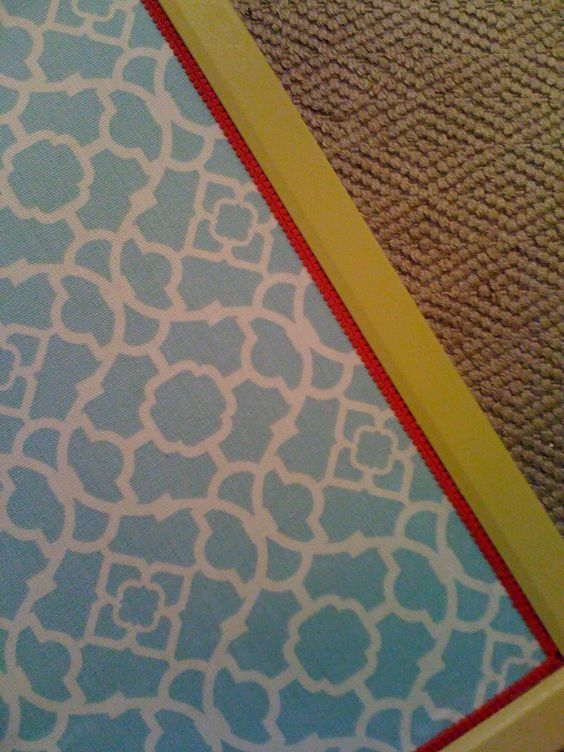 cheap corkboards that are painted, covered with fabric, and trimmed around the edges. Perfectly customized!: Fabric Glued, Little Green Notebook, Corkboard Creativity, Add Fabric, Corkboard Ideas, Cheap Corkboards, Fabric Nice