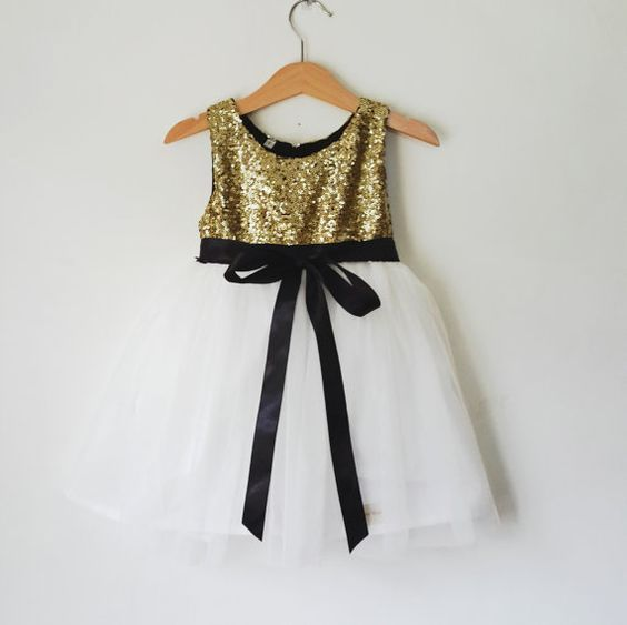 8adcde8f1 The pattern was designed for a formal/party dress, but you can sew a casual  dress using cotton fabrics. I hope you find this ...