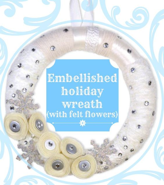 Love this #holiday wreath -- perfect for winter themes, too! #Love the #felt flowers!