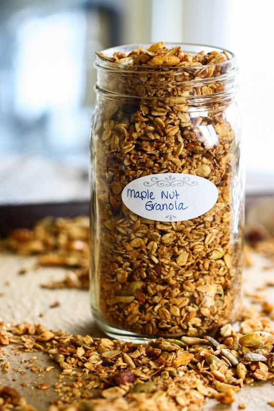 maple nut granola- been looking for a good homemade granola recipes and this looks to fit the bill!
