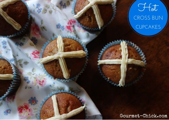 How to make hot cross bun cupcakes from Gourmet Chick